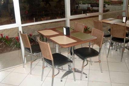Mesas e cadeiras para restaurantes for Mesas de restaurante precios